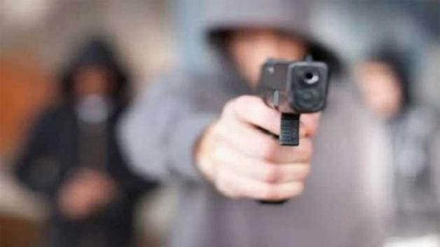 Россиянин в старый Новый год за считаные минуты расстрелял жену, соседей и себя