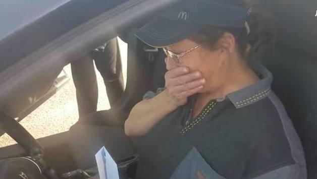 Американский бизнесмен подарил машину работнице McDonald's, которая всегда была с ним приветлива