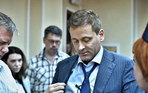 Тюремные надзиратели избили сенатора Константина Цыбко