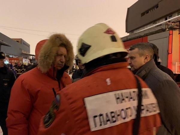Тушение в ручном режиме. Александр Беглов, по примеру Валентины Матвиенко, лично руководит ликвидацией последствий пожара на Ленинском
