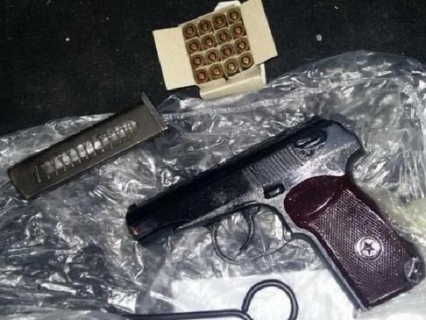 СБУ разоблачила главу общественной организации, приторговывавшего пистолетами и автоматами