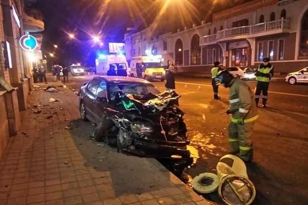 Во Владивостоке пьяный водитель устроил массовое ДТП с двумя погибшими