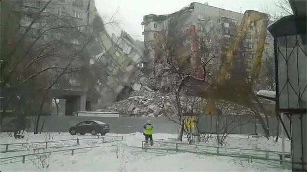 В Магнитогорске рухнула огромная часть взорванного дома