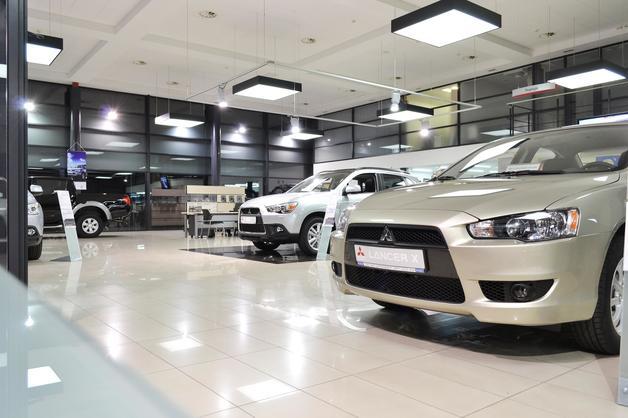 Дилеры предложили ЦБ ограничить оплату наличными при покупке авто, но взамен снизить комиссию по безналу