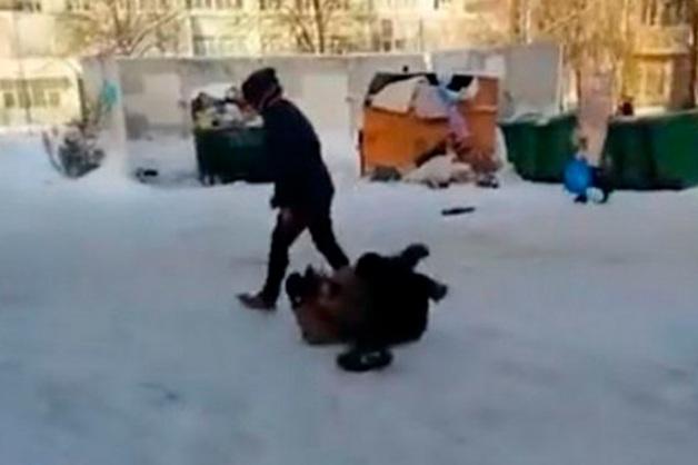 В Петербурге школьники избивали бездомных, снимая нападения на видео