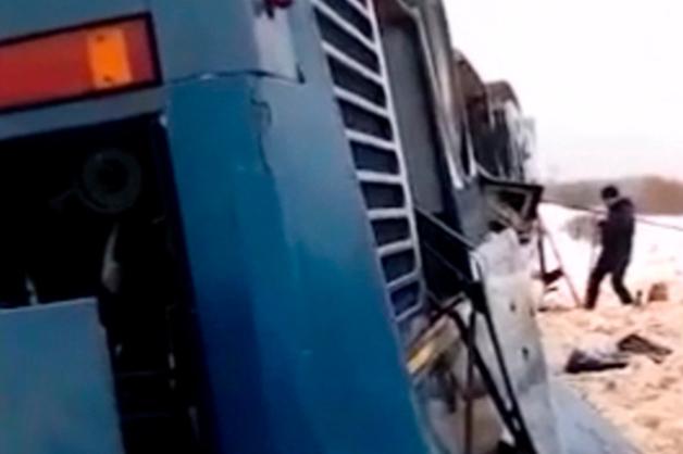 Число погибших в перевернувшемся под Калугой автобусе выросло