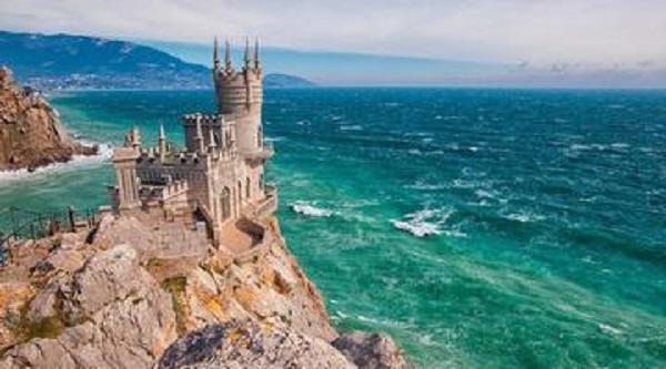 Крым получит по госпрограмме развития 310 млрд рублей за три года