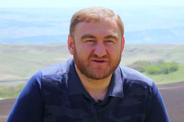 Сенатора Арашукова ранее задерживали за избиение сына замначальника ростовского УФСБ