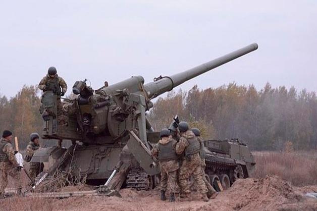 «Решили поиграть»: пьяные украинские зенитчики обстреляли свой склад