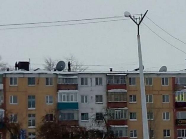 В России 130-килограммовый мужчина выпал из окна 13-го этажа и пошел домой