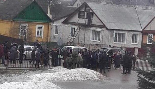 ЧП в белорусской школе: ученик зарезал подростка и учительницу