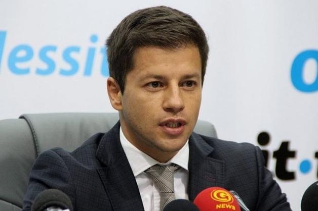 Молодое «дарование» одесского горсовета Александр Шеремет, его незадекларированное имущество на $16,5 млн и крышевание рекламного бизнеса