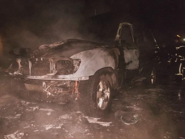 В Киеве сожгли Land Criuser депутата