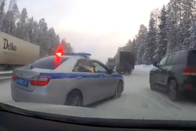 Экипаж из кортежа губернатора Владимира Сипягина отстранили за опасные маневры