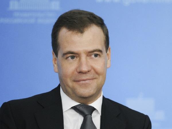 Медведев высказал мысль о слишком большом количестве гостеатров в РФ