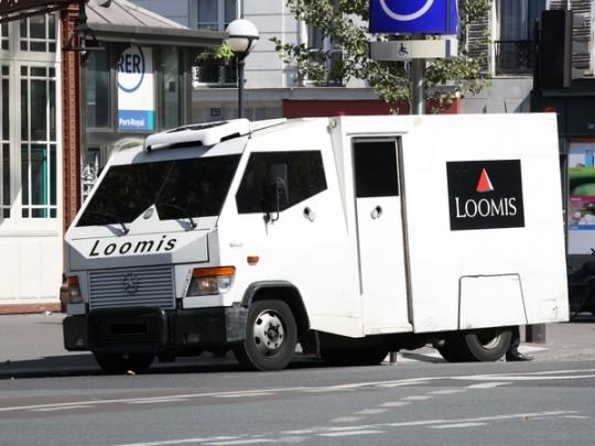 Во Франции инкассатор угнал машину с несколькими миллионами евро