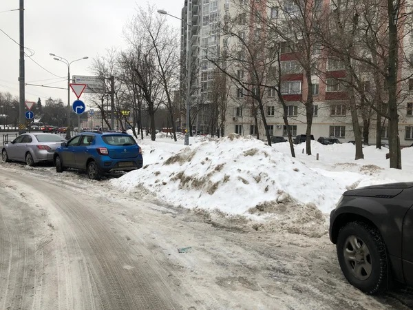 Полный список домов Москвы, во дворах которых вводят платную парковку