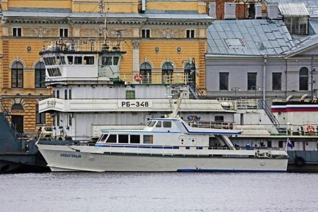 Капитана судна Балтфлота нашли застреленным в Петербурге