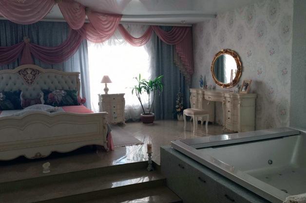 «Как в музее»: арестованная за мошенничество чиновница, проживала в «квартире-дворце»