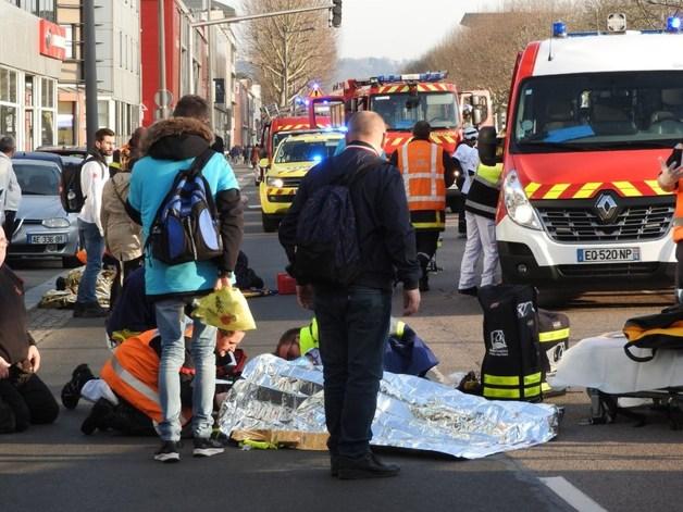 Во Франции автомобиль сбил участников акции «жёлтых жилетов»