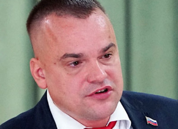 Депутат Караваев нанес ущерб родной Ленинградской области