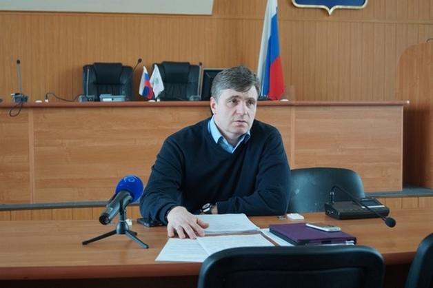 Зампред гордумы Дзержинска лишен поста из-за видео, где он угрожает лопатой участнице дорожного конфликта