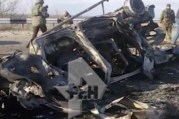 Видео с места подрыва автомобиля на КПП в ДНР