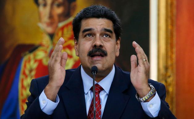 Журналистов американского телеканала задержали во время интервью с Мадуро. Их депортируют из Венесуэлы