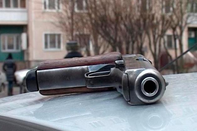 Столичная полиция разыскивает угрожавшего пистолетом инкассаторам водителя Lada Kalina