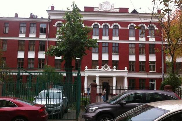 Среди подравшихся в московской школе оказались дочери судьи, топ-менеджера и чиновника Роспотребнадзора