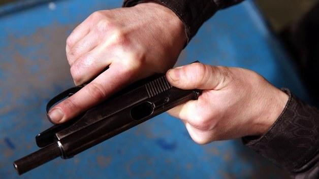 «ФСБ очень хотелось раскрыть крупное дело оружейников»: в Петербурге семью адвокатов заподозрили в оправдании терроризма
