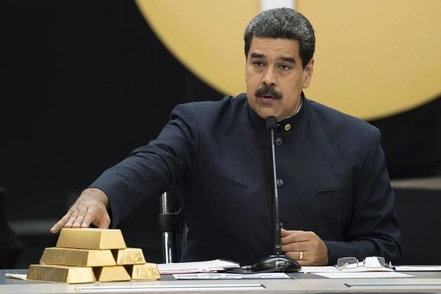 Пока не было директора и охраны: Мадуро вывез из Центробанка 8 тонн золота
