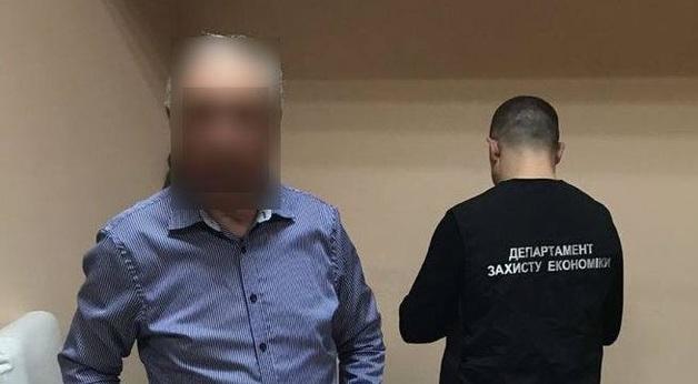 Глава Одесского государственного спецкомбината вымогал «откат» за аренду склада