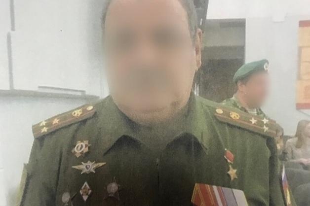 Из саратовского колледжа уволили фальшивого полковника-Героя Советского Союза