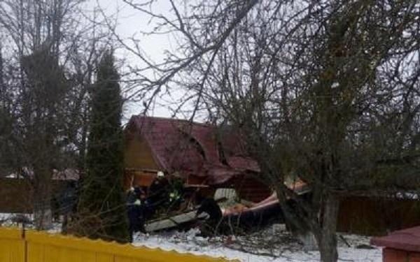При крушении самолета в Подмосковье погибли два человека