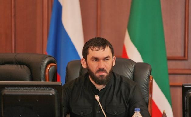 Беглый чеченский блогер отказался принести извинения Кадырову