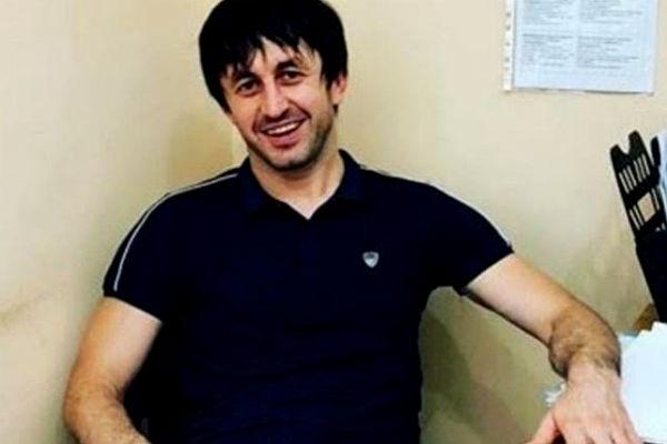 Российский депутат при детях схватил учительницу за волосы и проволок ее два этажа