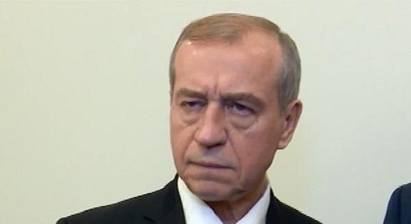 Губернатор Левченко не смог вспомнить, кому позволил строить завод на Байкале
