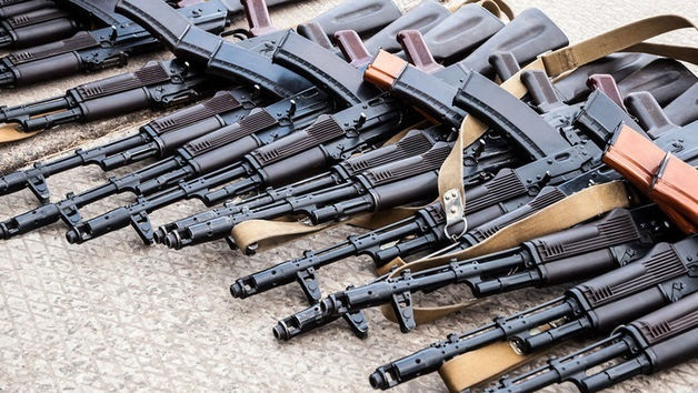 Сотрудничество с оккупантами. Порочные связи торговцев оружием