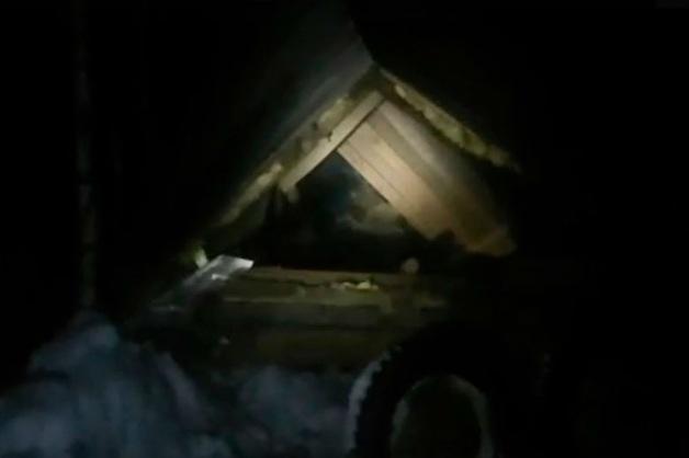 «Шли прямо на людей». Экскаватор раздавил бытовку с протестующими против мусорного полигона под Архангельском
