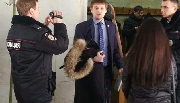 Двух депутатов арестовали после попытки попасть на прием к прокурору