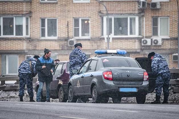 В элитных клубах Екатеринбурга Росгвардия провела операцию по поиску наркоторговцев