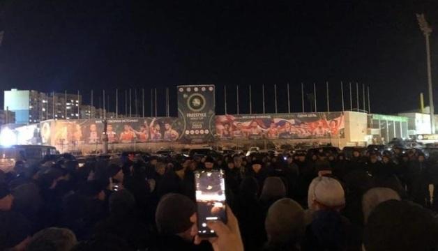 Жители Якутска вышли на антимигрантский митинг после того, как гостей из Средней Азии заподозрили в изнасиловании