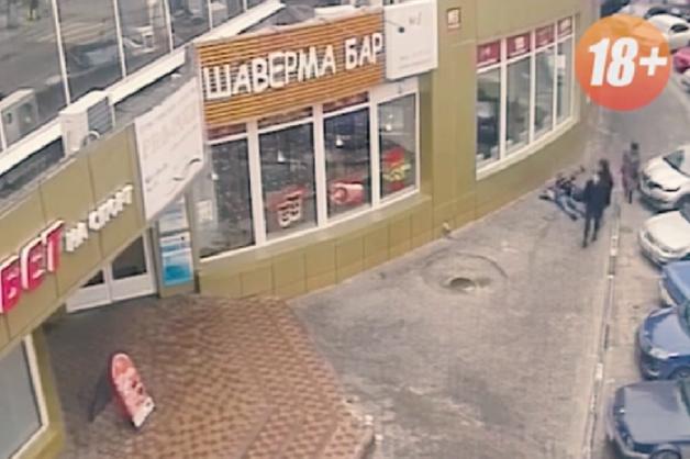 В Воронеже дебошир отправил в нокаут двух местных жителей