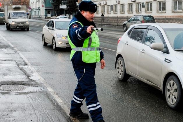 В Прикамье уволен начальник отдела полиции, которого поймали на иномарке с чужими номерами