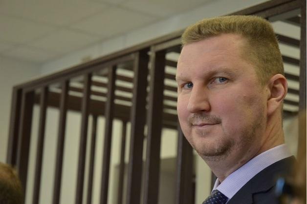 Экс-глава ФНС Владимирской области отделался штрафом за получение взятки