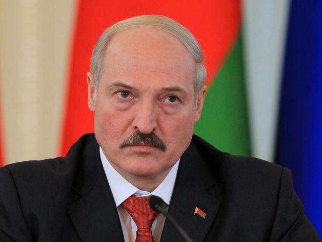 Лукашенко уволил вице-премьера, министра и губернатора после посещения коровника
