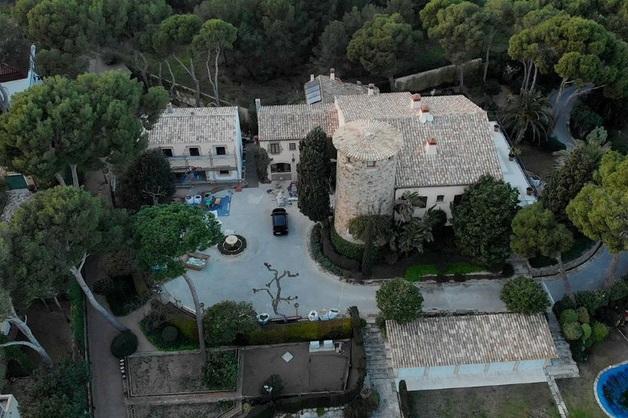 У близких главы «Ростеха» нашли недвижимость в Испании