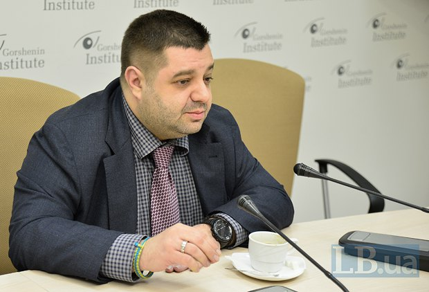 Гражданин Румынии Александр Грановский вас всех продаст, купит и снова продаст
