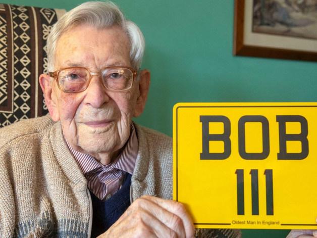 Проживший 111 лет британец рассказал о своем секрете долголетия